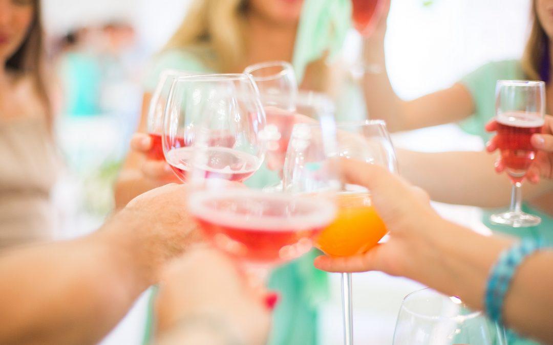 Envie printannière :Le vin rosé star de l'apéritif
